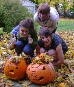 girls with jackolanterns